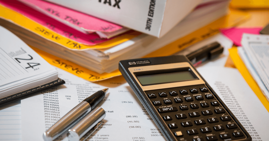 Header image of accounting software article.